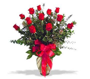 çiçek siparisi 11 adet kirmizi gül cam vazo  Balıkesir online çiçek gönderme sipariş