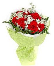 Balıkesir çiçek , çiçekçi , çiçekçilik  7 adet kirmizi gül buketi tanzimi