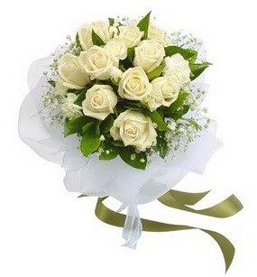 Balıkesir online çiçekçi , çiçek siparişi  11 adet benbeyaz güllerden buket