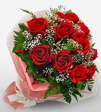 12 adet kırmızı güllerden kaliteli gül  Balıkesir çiçek siparişi vermek