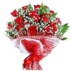 11 kırmızı gülden buket  Balıkesir 14 şubat sevgililer günü çiçek